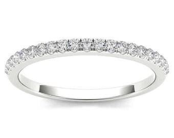 10Kt White Gold 0.15 Ct Diamond Wedding Band