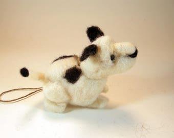 Needle felted beagle/miniature white black dog/dog ornament/adorable beagle pup/felted dog soft sculpture/dog/little felted beagle/dry felt