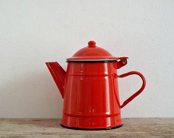 enamel COFFEE pot - lovely vintage red rustic tea POT, small coffeepot teapot kettle, ENAMELWARE pitcher, kitchenware, retro home decoration
