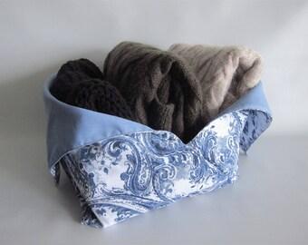 Lunch bag, Bento bag, Azuma bag, Bukuro bag, Japanese lunch bag, Yarn bag, knitting bag - Blue and white paisley - Medium