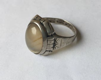 vintage Uncas moonstone or agate sterling ring, size 10.25