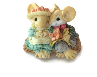 Little Cheesers Mouse Figurine, Ganz mice Blossom and Hickory, collectible mice, cake topper, mouse couple