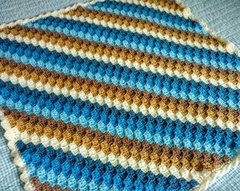 Hand made crochet baby blanket 66cm/26inches square