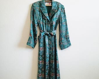 Green Satin Embroidered Asian Robe Small Medium - Lined STUNNING - Made in Shanghai