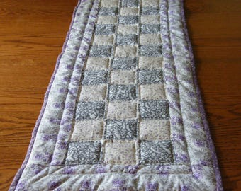 Quilted Table Runner, Quilted Table Topper, Machine Quilted Table Linen, Nine Patch Quilting Pattern