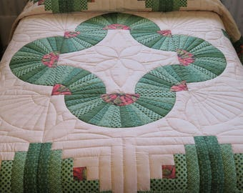 Green, Cream & floral King Size Cabin Trail hand quilted quilt