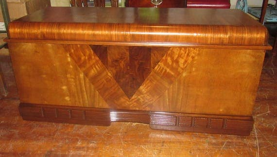 Art Deco Waterfall Blanket chest