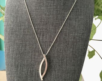 Large Overlapping Oval Necklace