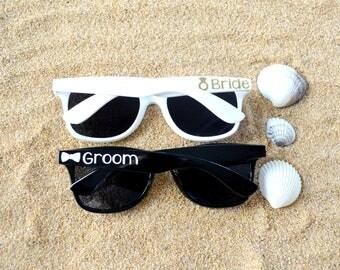 Wedding Sunglasses, Bride and Groom Sunglasses, Wedding Favors, Summer Wedding Gift, Honeymoon Gift, Mr and Mrs Sunglasses, Bachelorette