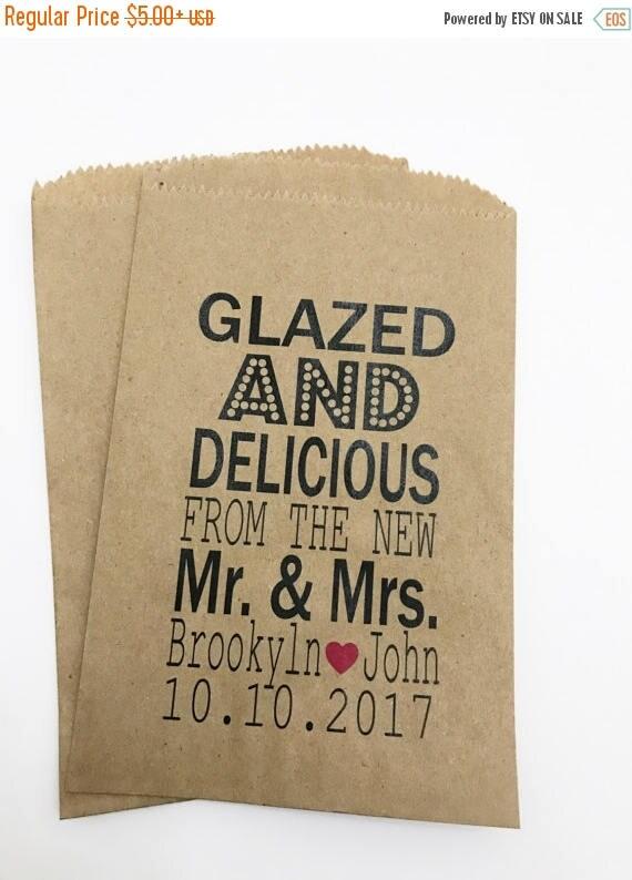 ON SALE Donut Favor Bag, Wedding Favor Bags, Donut, Personalized Wedding Favor Bags, Custom Favor Bags
