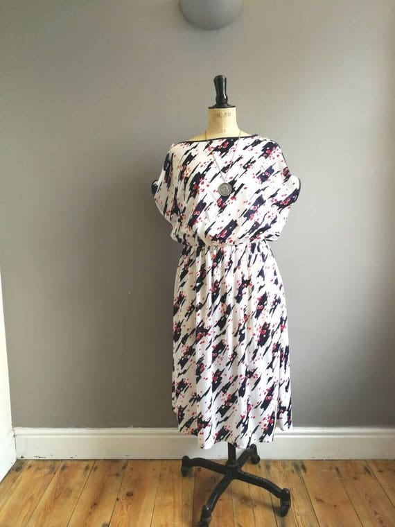 80s batwing dress / white retro midi dress / white and blue 80s dress / boho white dress / electro vintage dress / elastic waist