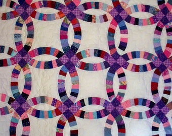 DOUBLE WEDDING RING Quilt - White - Queen Size - measures 92x104 inches