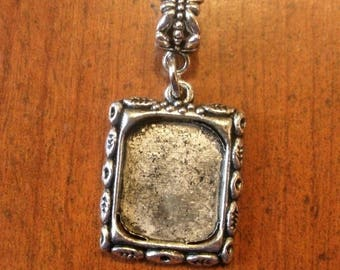 personalize picture frame pendant