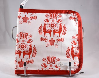 Red Llamas Interchangeable Needle Case