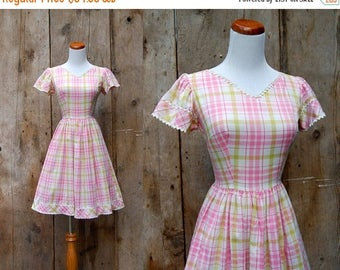 25% OFF ON SALE - c. 1950s plaid dress + vintage 50s 60s plaid day dress + full skirt vintage 50s dress