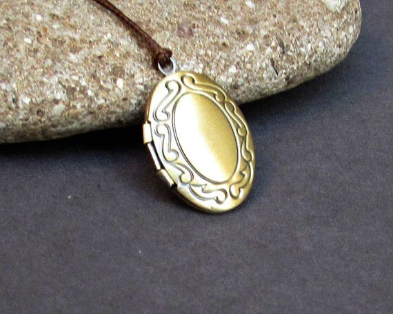 Tiny Oval Locket Necklace Pendant, Bronze Mens  Simple Locket Necklace  Antique Long Necklace Keepsake Necklace