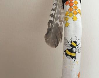 Bee-u-t-iful wand