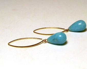 Amazonite dangle earring.Gold plated drop earing.Turquoise color gemstone pendant earing.Boho chic hook earing.Italian Jewelry.Made in Italy
