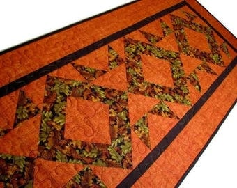 Autumn Quilted Table Runner, Autumn Quilted Table Mat, Thanksgiving Table Runner, Scattered Leaves on Rust Background, Quiltsy Handmade