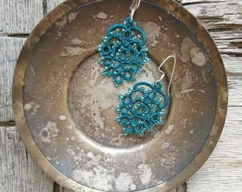Tatting Lace Jewelry earrings - Lace earrings - Emerald Green earrings - Wedding earrings