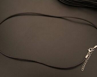 2 dark brown leather necklaces. (ref:3655)