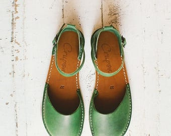 SALE 25% OFF: Greenery Sandals, Leather Shoes, Summer Shoes, Leather Sandals, Leather Flats, Flat Shoes, Closed Toe, Womens Sandals, Casual