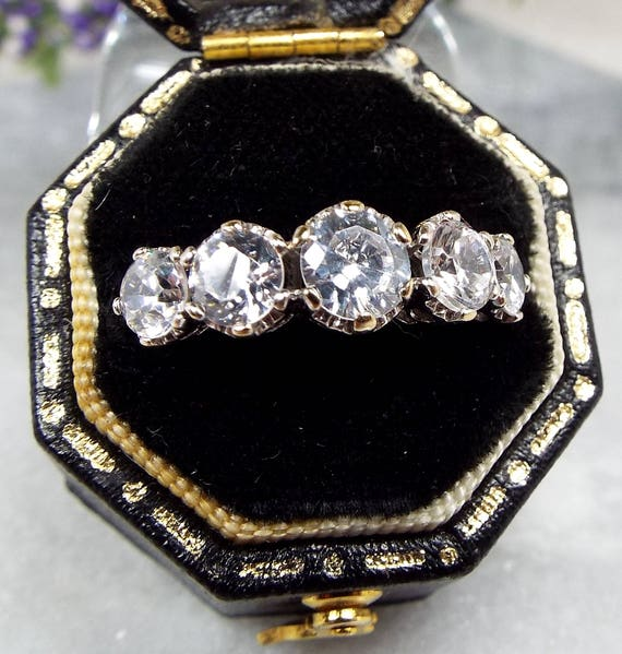 Vintage / 9ct Yellow Gold 5 White Crystals Sparkly Statement Ring / Size J 1/2