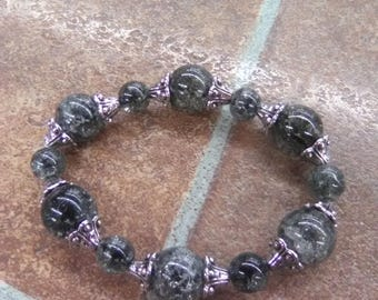 Stretchy womens beaded bracelet. Stunning. Black grey silver