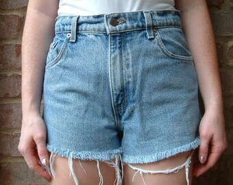 Levis 550s Vintage Denim High Waisted Shorts - S