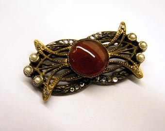 PURE VINTAGE BROOCH