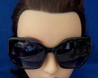 Ladies Vintage Big Black Sunglasses