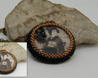"bronze pendant ""Asian"" set of Japanese seed beads"
