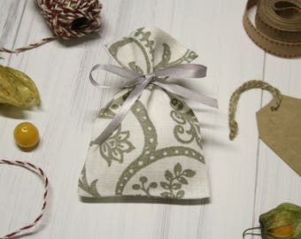 Linen favor bags. Candy bags. Linen burlap bags. Small gift bags. Christening favors bags. Wedding favour bags