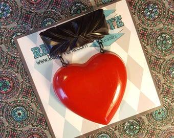 Vintage Inspired Carved Fakelite Dangling Heart Brooch