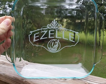 "8"" x 8"" Glass Baking Dish with Sandblast Etched Personalization"