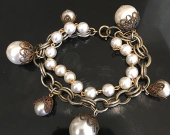 Vintage 1950's costume charm bracelet