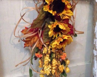 RUSTIC FALL SWAG~ FarmHouse Fall Door Decor ~Fall Door Wreath ~ Thanksgiving Door Decor ~Sunflower Door Swag ~Fall Door Wreath ~ Sunflower