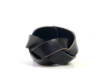 Braided Leather Cuff in Patent Black