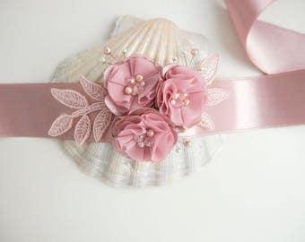 Mauve Bridal Sash Dusty rose Flower Wedding Sash Bridal Sash Blush pink sash Pink Belt Flower Belt Wedding Dress Sash Vintage sash Lace Sash