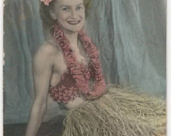 Vintage 1940S Color Photo Booth snapshot Hula Girl Grass Skirt WW2 Era