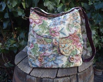 Tapestry messenger bag,buttoned big bag