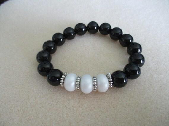 Black Onyx and Lampwork Glass Stretch Bracelet B616172