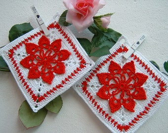 Crochet pot holders-pair of white and Red cotton pot holders-Two Christmas crochet pot holders-Christmas gifts-complete kitchen