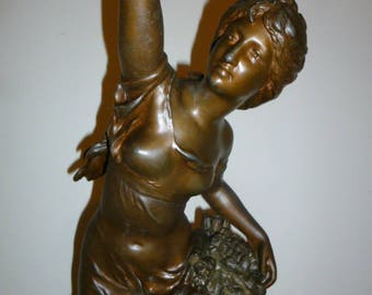 Large Art Nouveau French lady spelter sculpture on marble base ''bataille de fleurs'' by Mathurin Moreau c.1890