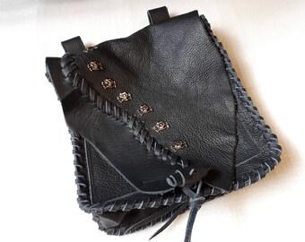 fanny pack,belt pack,belt pocket,for belt,genuine leather,black, scull rivets,gothic,punk,middle age,larp,rockstyl,unisex,unique,leather bag