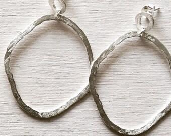 Hanging oval hoop