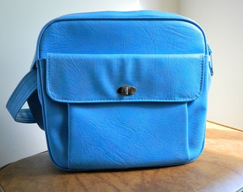Beautiful Blue Vintage Samsonite Travel Bag // Samsonite Silhouette Carry On Bag // Retro 1960s Vintage Luggage