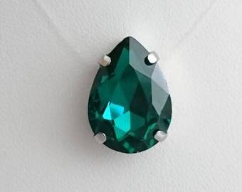 the Choker necklace large sparkly rhinestone emerald green PEAR nylon thread