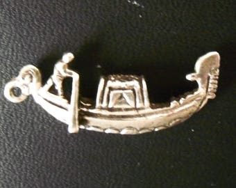 Vintage 3-D Gondola and Boatman with Oar - Venice, Italy Unique Silvertone Charm