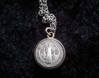 Vintage St. Benedict Medal with Chain (Sentia Mvniamvr)